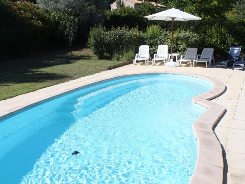 La bastide de mathilde location de vacances en luberon for Camping luberon avec piscine