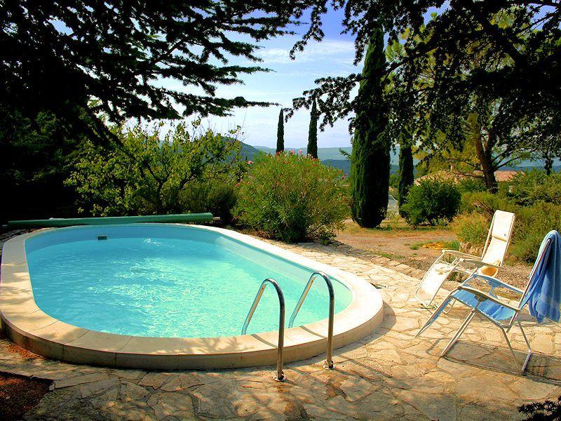 Les picholines location de vacances en luberon saint for Camping luberon avec piscine