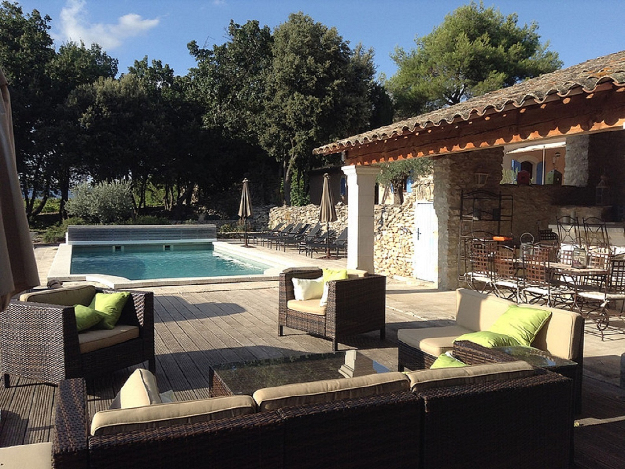 Villa des bories location de vacances en luberon for Location villa salon de provence