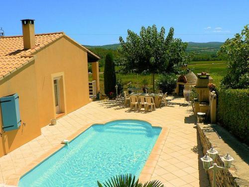 La villa peyronel location de vacances en luberon saint martin de la brasque luberonweb for Villa vacances piscine